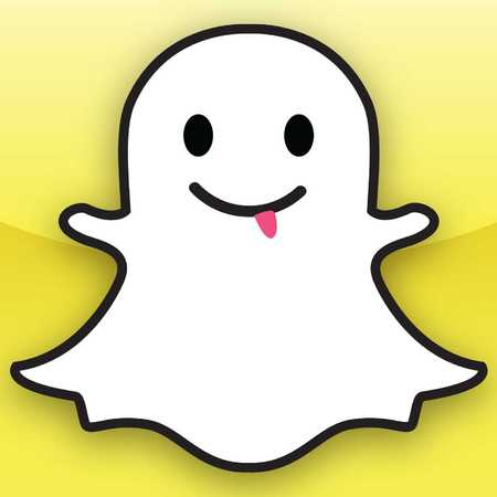 snapchat-logo-social-media-facebook-takeover-handbag