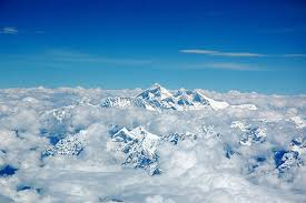 mount everest inclouds
